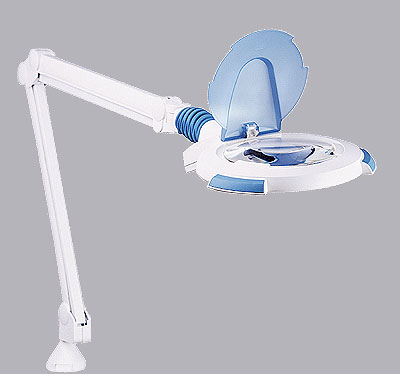 Magnifiers, lamps, service tables and manucure - 63600 Circus M-0